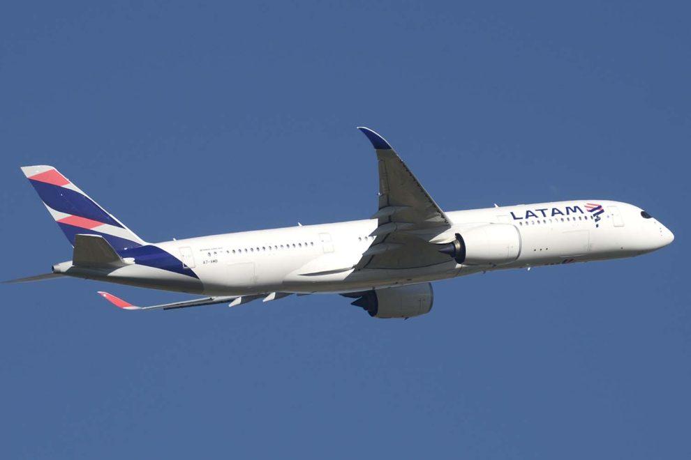 Uno de los Airbus A350 de LATAM operados hasta ahora por Qatar Airways.