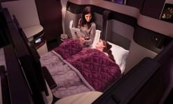 Los asientos contiguos pueden convertirse en una cama doble.
