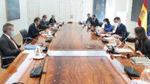 Reunión en La Moncloa entre Airbus, con su presidente Guillaume Faury al frente y el Gobierno español, con su presidente Pedro Sánchez.