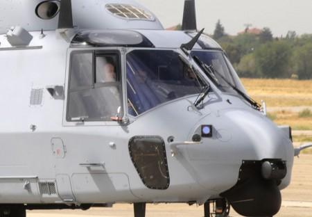 S.M.el Rey a bordo del primer NH90 para España