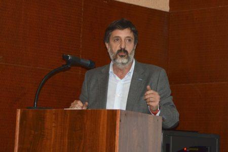 Rodolfo Ojea durante su presentación.