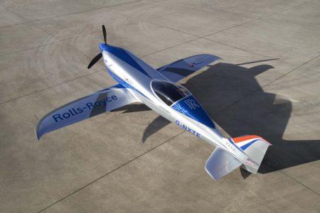 Rolls-Royce ha modificado un avión de carreras para lograr el avión eléctrico más rápido.