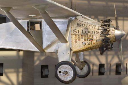 Frontal del Ryan NYC de Lindbergh, expuesto en el Museo del Aire y del Espacio de Washington.