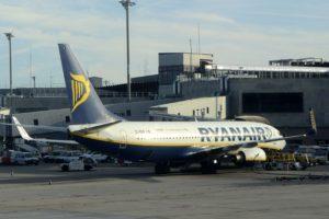 Ryanair ingresa 55 euros por pasajero en el último trimestre.
