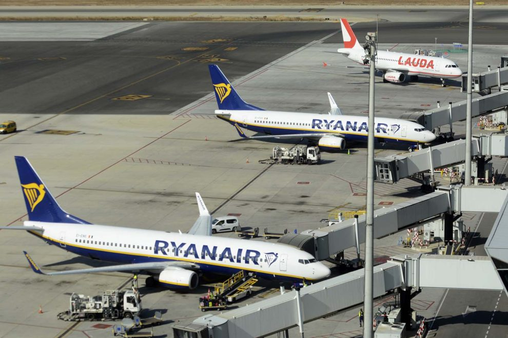 Aviones del Grupo Ryanair en el aeropuerto de Palma de Mallorca.