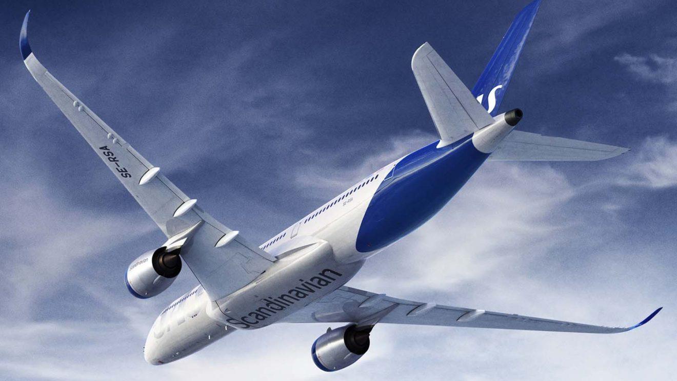 SAS se ha sumado a la moda de añadir títulos en la panza de los aviones.