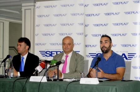 Reuda de prensa de SEPLA y FACUA.
