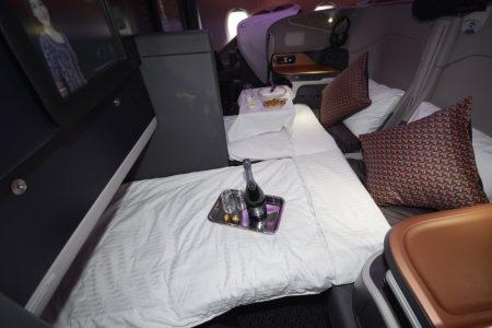 Los asientos de business del A380 de Singapore Airlines en modo cama.