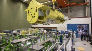 El fuselaje traero de la célula estática del T-7 en la factoría de Saab.