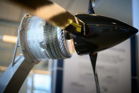 Motor Safran ENGINeUS para el EcoPulse, con su hélice.