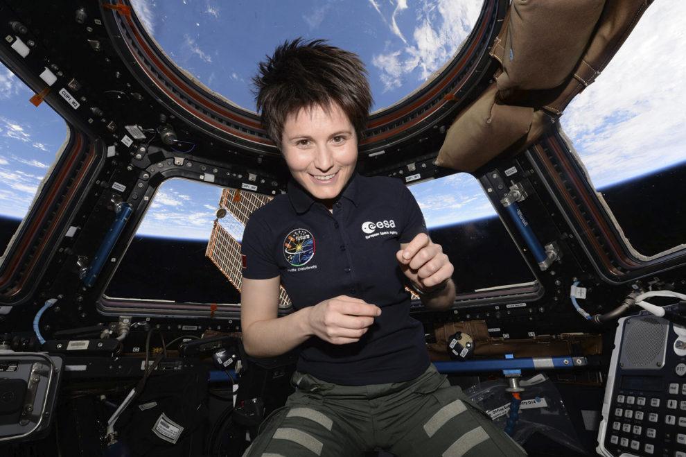 La astronauta italiana de la ESA Samantha Cristoforetti a bordo de la ISS.