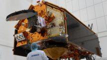El Sentinel 6A tiene un peso de 1,5 toneladas y mide 5,13 metros dde largo, 4.7 de ancho con los paneles solaress desplegados, y 2,35 metros de altura.