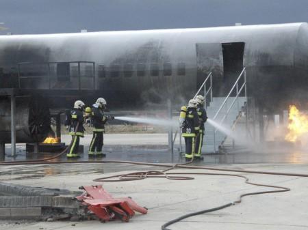 Bomberos del aeropuerto de Madrid Barajas