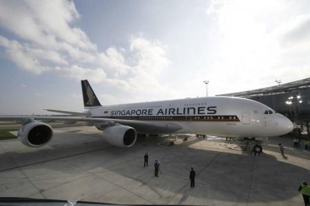 El 15 de octubre de 2007 Singapore Airlines recibió en Toulouse su primer A380, el cual finaliza su leasing con Doric en 2017.