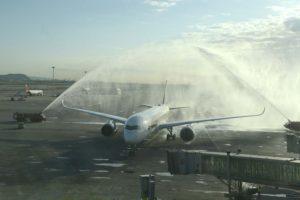 Llegada a Barcelona del vuelo inaugural de Singapore Airlines en 2017.