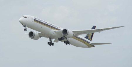 El primer Boeing 787-10 entregado es el matrículado 9V-SCA.
