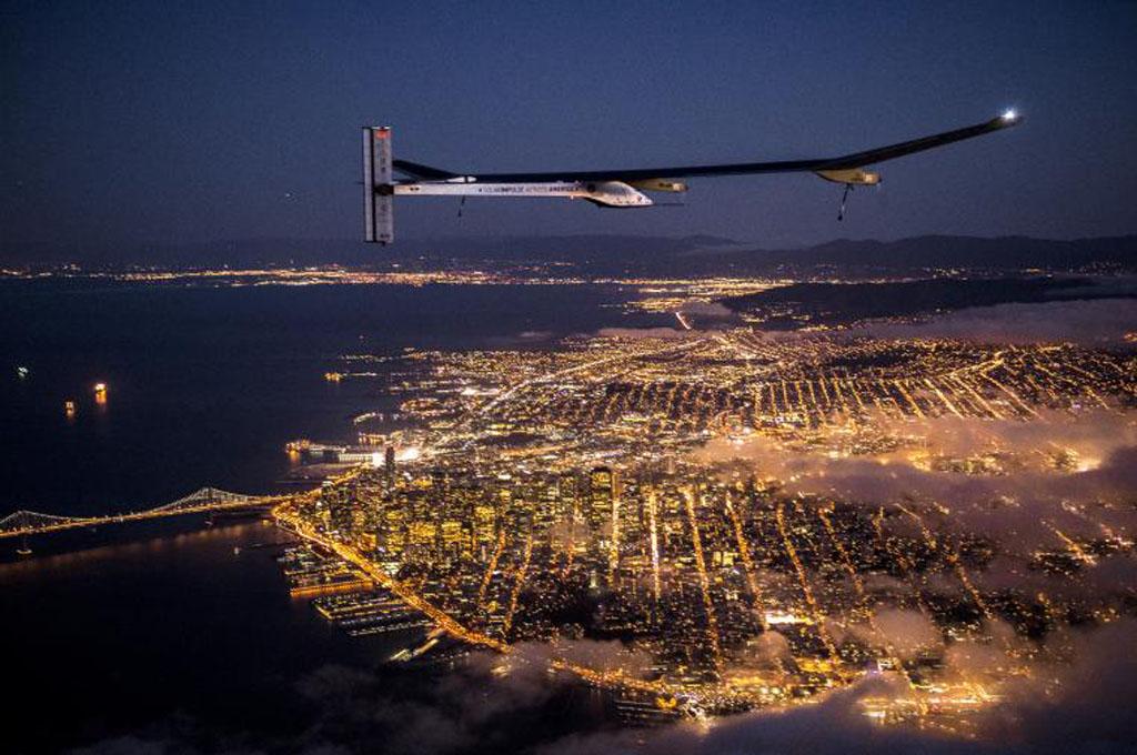 Solar Impulse sobre San Francisco