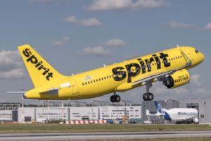 Uno d elos Airbus A320neo ya en servicio con Spirit durante uno de sus vuelos de prueba en Finkenwerder.