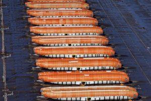 Algunos del cerca de centenar de fuselajes de Boeing 737 MAX producidos por Spirit Aerospace en Wichita y almacenados a la espera de enviarlos a la cadena de montaje en Renton.
