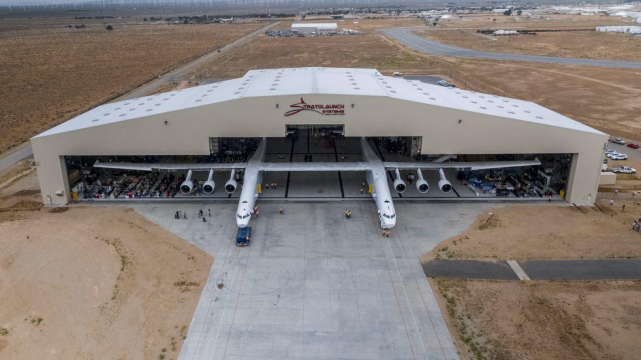El Stratolaunch es el avión de mayor envergadura.
