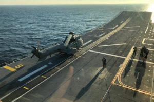 Super Puma del 803 Escuadrón del Ala 48 a bordo del Juan Carlos I de la Armada.