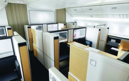 Cabina de primera clase del Boeing 777 de Swiss.