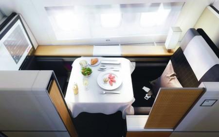 Swiss apuesta por cabinas cerradas para la primera clase en sus Boeing 777.