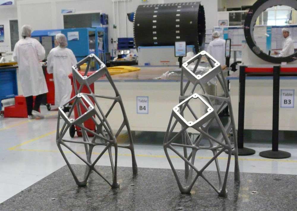 Imagen de los soportes de antena fabricados por impresión 3D por Thales Alenia Space.
