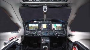 Cockpit del Daher TBM390 con aviónica Garmin 3000.