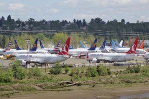 Aviones Boeing 737 MAX aparacados a la espera de su entrega, en primer plano dos de Turkish Airlines.º