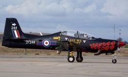 Tanto los británicos como los holandeses mandaron a Aire 75 uno de sus aviones demostradores para festivales.
