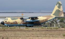 Una patrulla de la EZAPAC saltó del C-130 que tras asegurar la zona de toma, fue recogida por este.