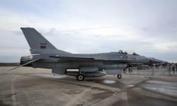 Los dos F-16 portugueses al final sólo fueron mostrados en la exposición estática.