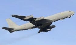 El B-707 cisterna se averió al poner en marcha los motores, y en su lugar tuvo que volar el otro único B-707 el servicio de los cuatro del Ejército del Aire