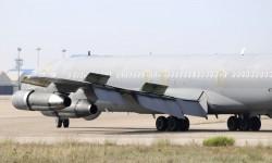 Detalle del ala con los flaps, slats y aerofrenos desplegados tras el aterrizaje