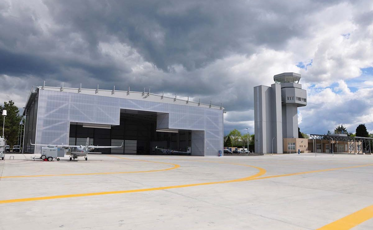 La Civil UAVs Initiative de la Junta de Galicia supone la inversión de 165 millones de euros en varios programas centrados en el aeródromo de Rozas.