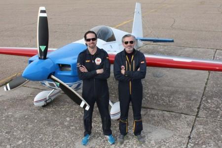 Macias y Alonso forman el equipo DoubleAs para el Campeonato del Mundo de Acrobacía en Formación.º