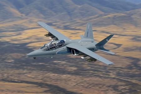 El Scorpion fue diseñado usando componentes de otros aviones para reducir costes.