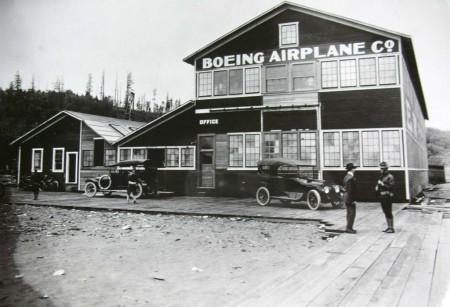 http://fly-news.es/wp-content/uploads/Cronología-de-Boeing.pdf