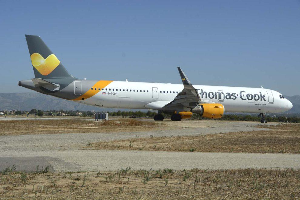 Uno de los Airbus A321 de Thomas Cook Reino Unido.