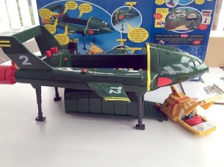 Juguete del Thunderbird 2 con su pod intercambiable en función de la misión a cumplir.