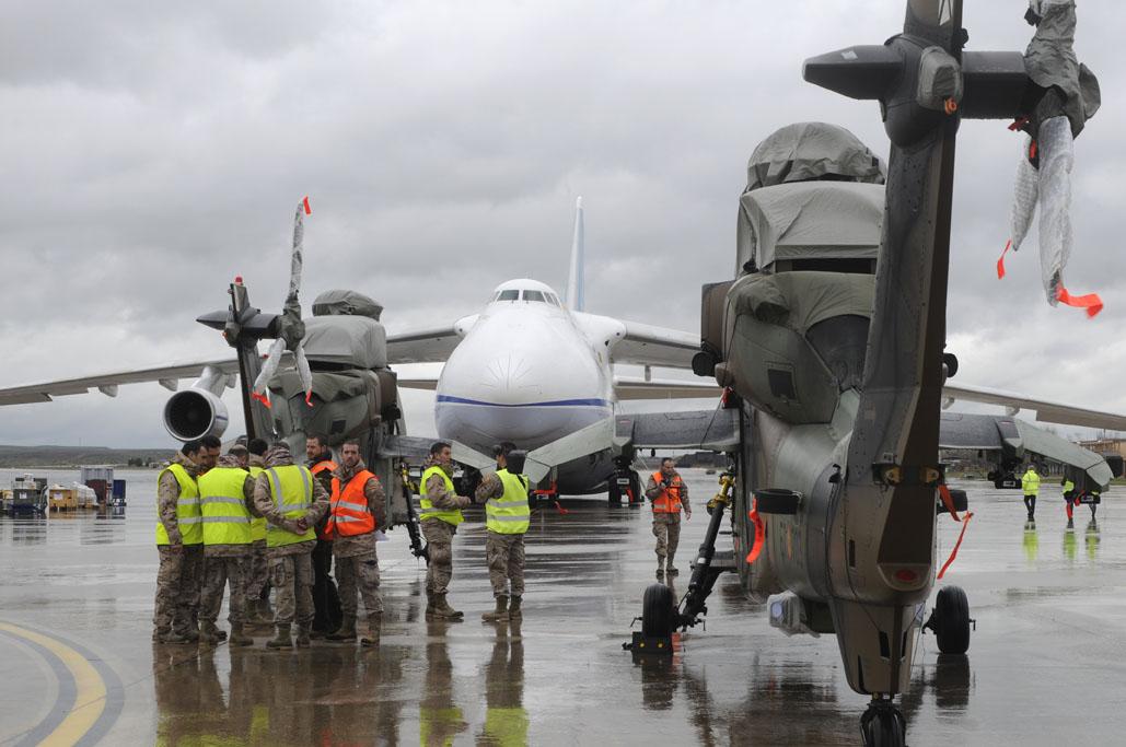 Tigre de FMET y Antonov An-124