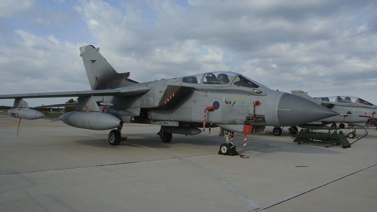 El Tornado ZA588 es empleado por los escuadrones 31 y IX de la RAF en la base de Marham.