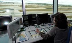 Los 1.973 controladores de Enaire se reparten entre cinco centros y 22 torres en España.