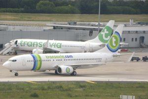 Dos Boeing 737-800 de Transavia France con las libreas antigua y actual en el aeropuerto de París Orly, el único de la capital francesa desde el que puede operar la aerolínea.