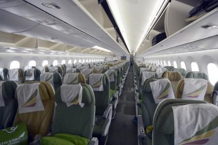 Asientos de clase turista en el Boeing 787 de Ethiopian Airlines.