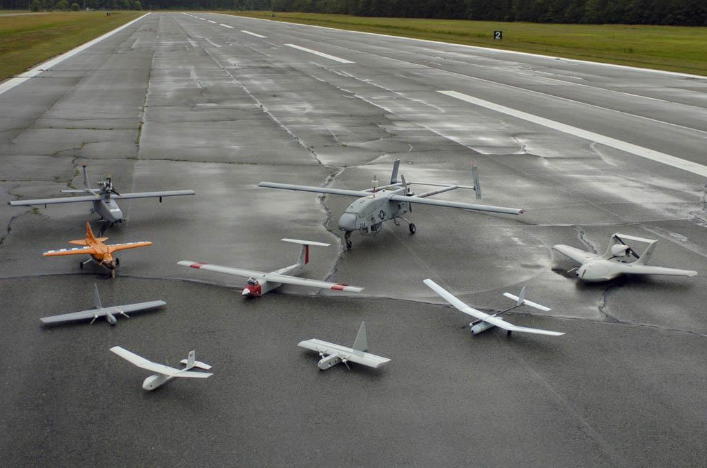 Diversos modelos de UAV.
