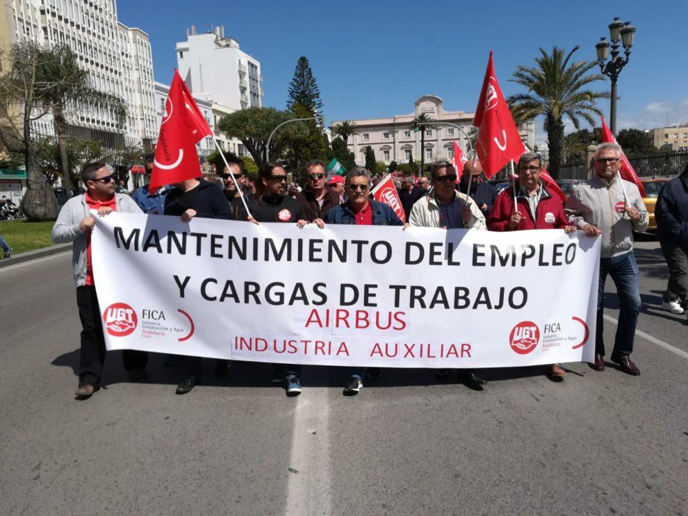 Portesta en Sevilla en 2018 de UGT en defensa de los puestos labolales en la industria aeronáutica española.