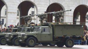 Sistemas Atlas de lanzador doble del misil de defensa aérea Mistral montados en vehículos Uro Vantac ST5 de la EZAPAC en el desfile del pasado 12 de octubre.