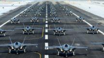 Los 52 Lockheed Martin de la base aérea de Hill que participaron en el ejercicio del 6 de enero rodando en formación.